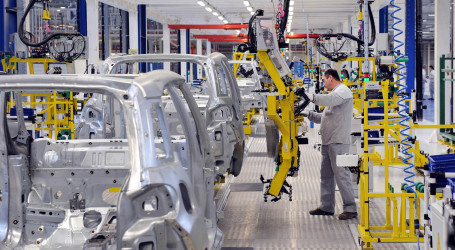 Car manufacturing hits reverse gear